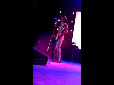 Tim McGraw performs Good Man in Denver---KYGO!
