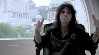 Metal Evolution - Episode 9 - Alice Cooper