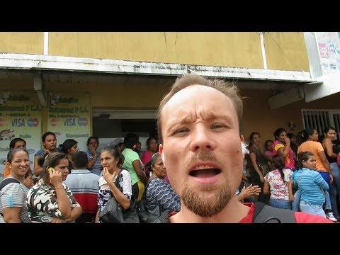VENEZUELA, Warten im Sozialismus des 21. Jahrhunderts