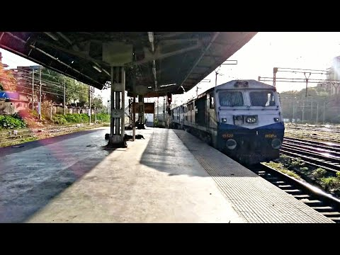 Twin WDP3A Of Kalyan Shed With 22113 LTT - Kochuveli Express Arriving At Thane