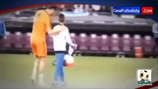 El Niño que le robaron la camisa de Cristiano Ronaldo