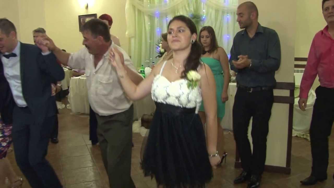 sarba moldoveneasca formatia baietii veseli moinesti