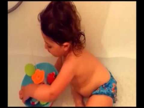 Best Bath Toy  Ever ! - Yookidoo Musical Duck Race