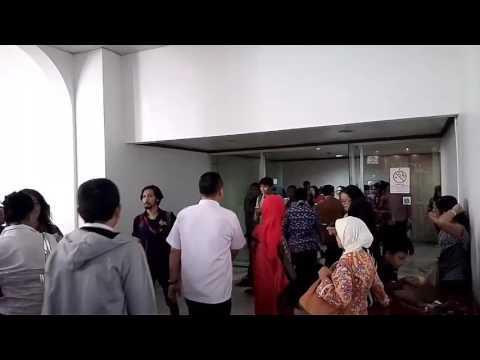 Lihat Membeludaknya Warga yang Ingin Temui Ahok di Balai Kota DKI Jakarta