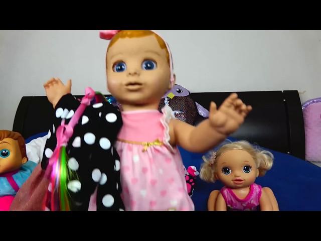 Dolls help Lika to clean her room Video for Kids JoyJoy Lika