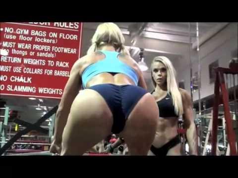 Entrenamiento de chicas en latex - 2 part 6
