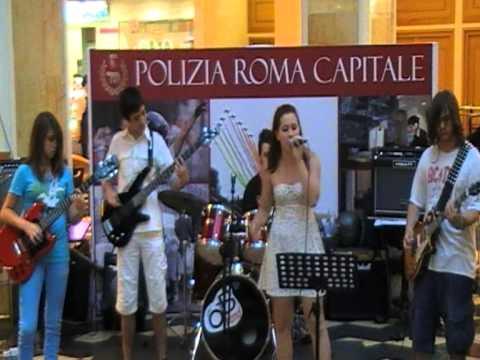 Nuvole e lenzuola – Accademia della Musica di Roma – Centro Commerciale Euroma2