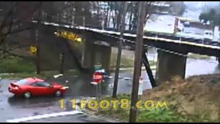 Another boxtruck gets ripped open at the 11foot8 bridge