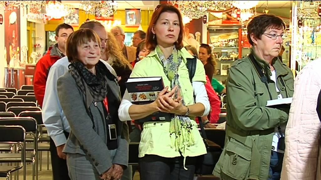 Johann Lafer signiert - Starkoch gibt Autogrammstunde in Bodenmais