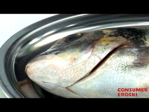 T cnicas b sicas de cocina c mo limpiar el pescado youtube - Tecnicas basicas de cocina ...