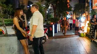 Walking Sukhumvit at Night - Bangkok, Thailand
