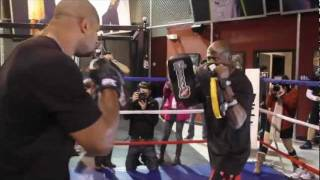Video Alistair Overeem Training For Brock Lesnar at UFC 141 download MP3, 3GP, MP4, WEBM, AVI, FLV Agustus 2018