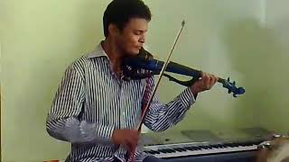 Video Amazing violinist Ruwan weerasekara playing abija hindi song with me.I played dollak with song download MP3, 3GP, MP4, WEBM, AVI, FLV Juni 2018