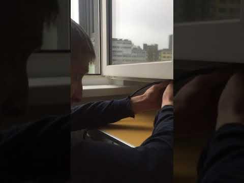Замена уплотнителя в окнах на немецкий