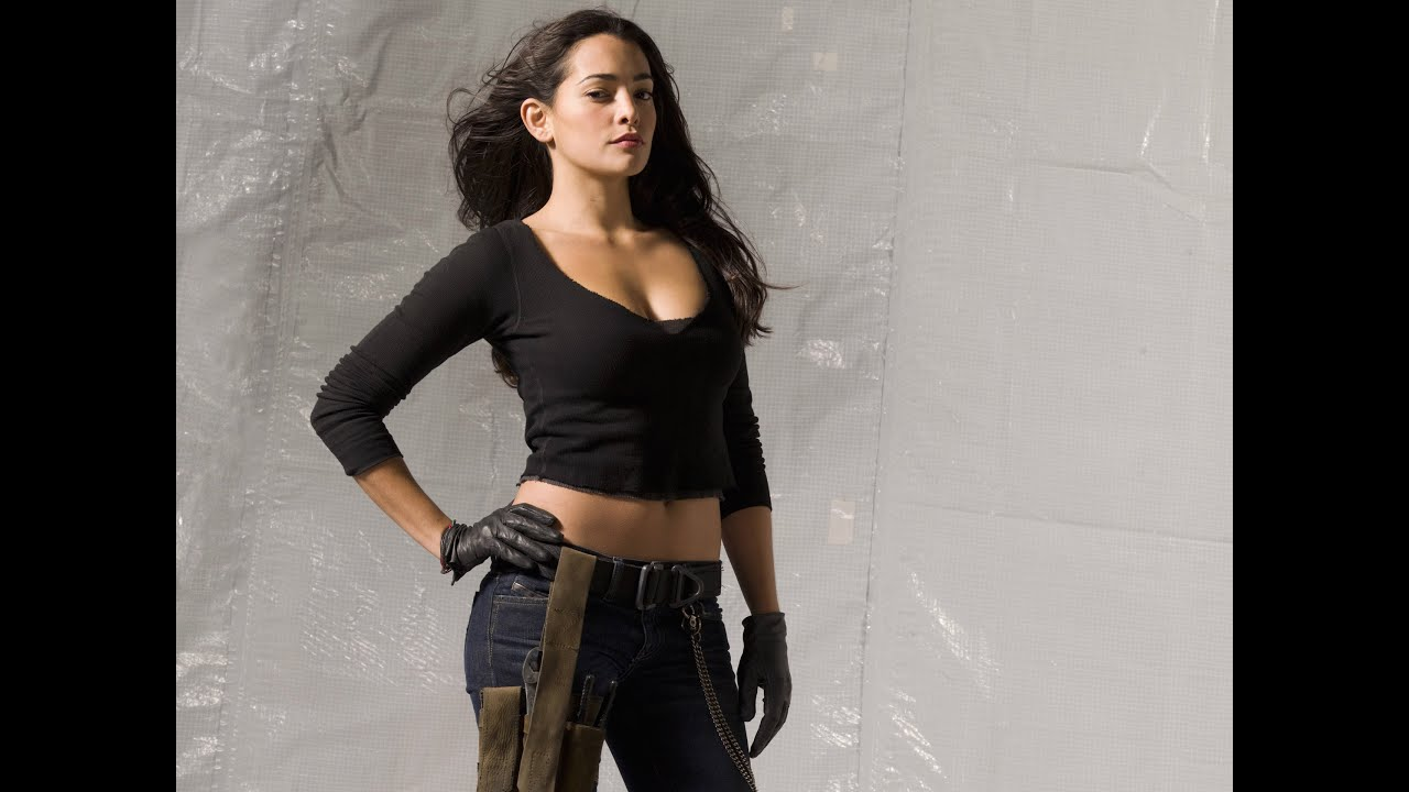 Natalie Martinez Hottest Actresses From Hollywood All Details On Her Career