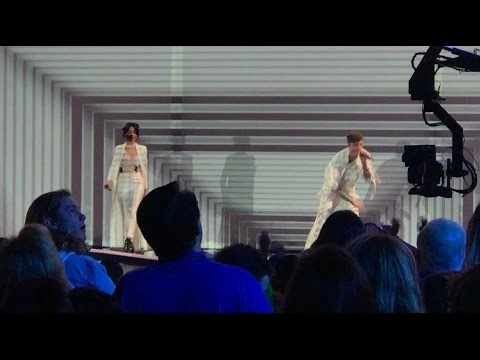 BAD THINGS - MACHINE GUN KELLY & CAMILA CABELLO (LIVE AT THE KCA 2017)