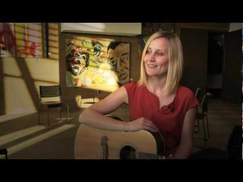 Acoustic Showcase - Norwegian Singer/Songwriter Marjit Vingerui