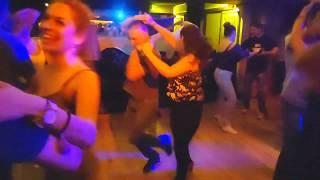 Baixar salsa social dance with a little salsa Cali at Palenque Latin club Athens 2019.10.20