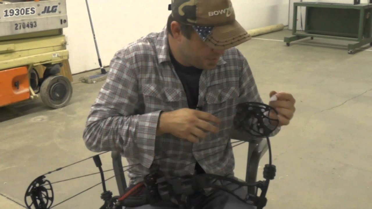 David White S Outdoors Lubricating Your Bow 8 27 14 Youtube