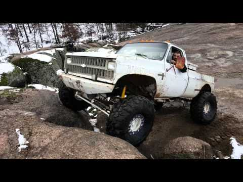 4x4 square body making it look easy - YouTube