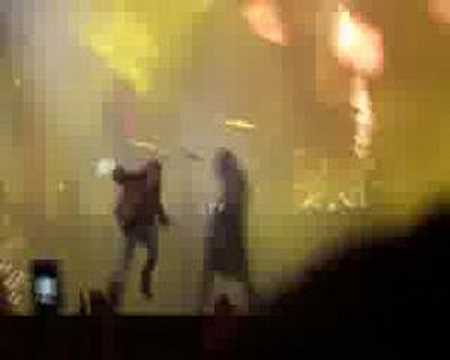 GUNS N ROSES (RAR) Live And Let Die Clip (Right-Angle)