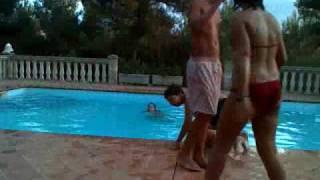 ostia en la piscina