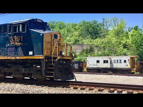 Historic L&N Railroad Yard Gets A Huge CSX Unit Grain Train! Live Action!!