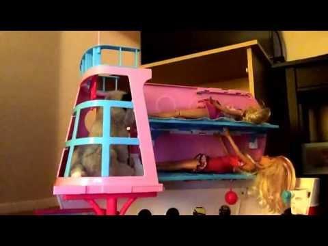 Doctor Barbie help.s Elsa with her baby