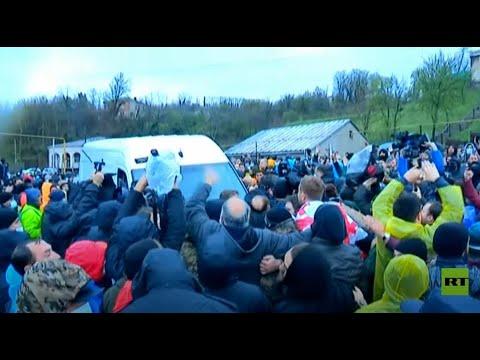 محتجون على مشروع كهربائي يقطعون طريقا رئيسيا في جورجيا  - نشر قبل 36 دقيقة