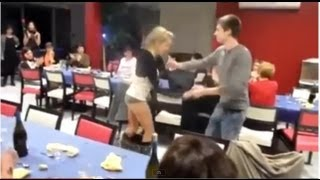 Слетела юбка во время танца