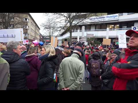 Leverkusen: Bayer-Fans gegen Deponie-Öffnung (18.11.2017