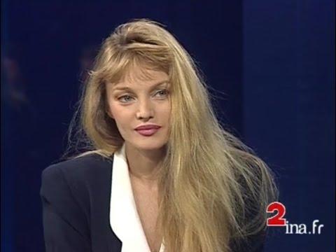 Arielle Dombasle - JT Midi 2 : Interview sur Villa Mauresque (7 Juillet 1993)