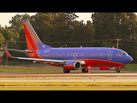 {TrueSound}™ Southwest Boeing 737-300 Sunset Takeoff from Memphis Airport [Runway 36L] 7/21/15