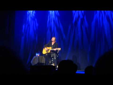 """Drift Off To Dream"" Into ""Help Me Hold On""...  Travis Tritt @ Newton Theatre 2015"