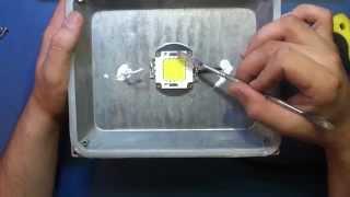 Ремонт светодиодного (LED) прожектора.(Ремонт светодиодного (LED) прожектора. Гипотеза