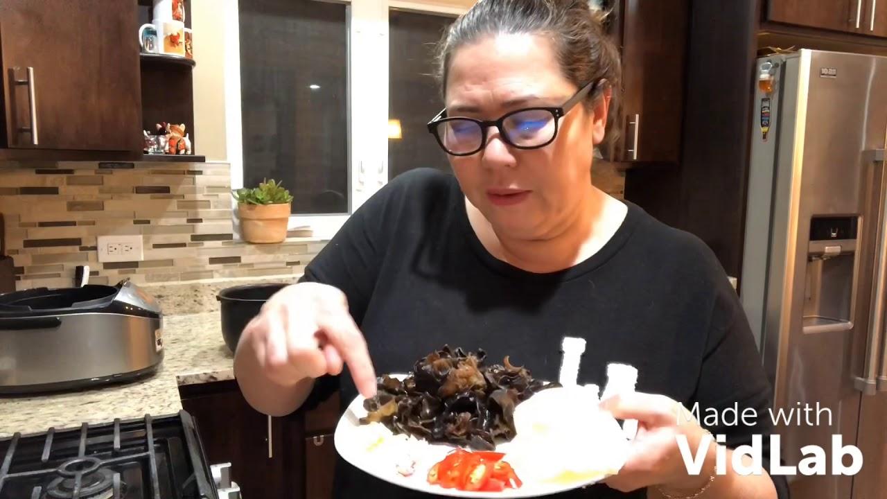 Vlog 23 ll Hai vợ chồng ăn cơm gà áp chảo - Cuộc sống mỹ