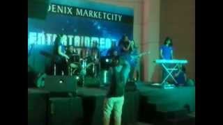 HERTZ BAND PUNE THE INFINITE FREQUENCIES PERFORMING LIVE AT PHOENIX MARKET CITY