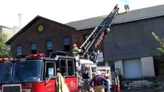 Htfd Truck #4 Cutting The Roof