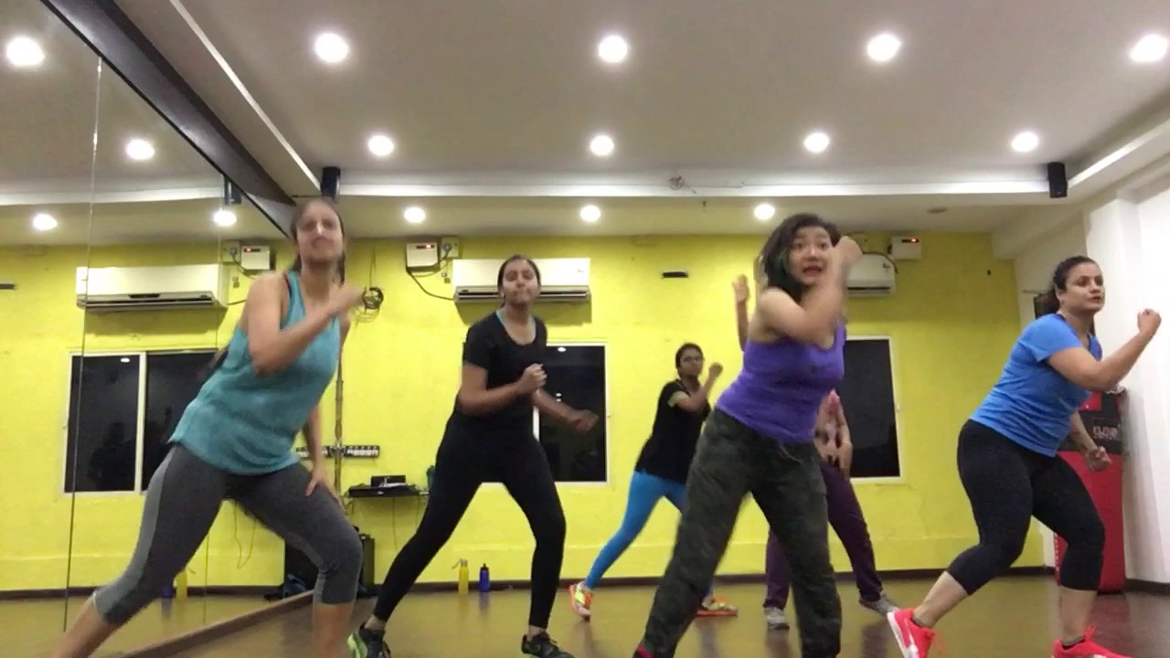 Tu Cheez Badi Hai Mast Mast Hindi Song Zumba Class Youtube Created by gaana   tracks 50. youtube