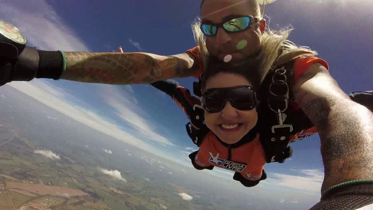 Salto de Paraquedas da Adriana C na Queda Livre Paraquedismo 29 01 2017