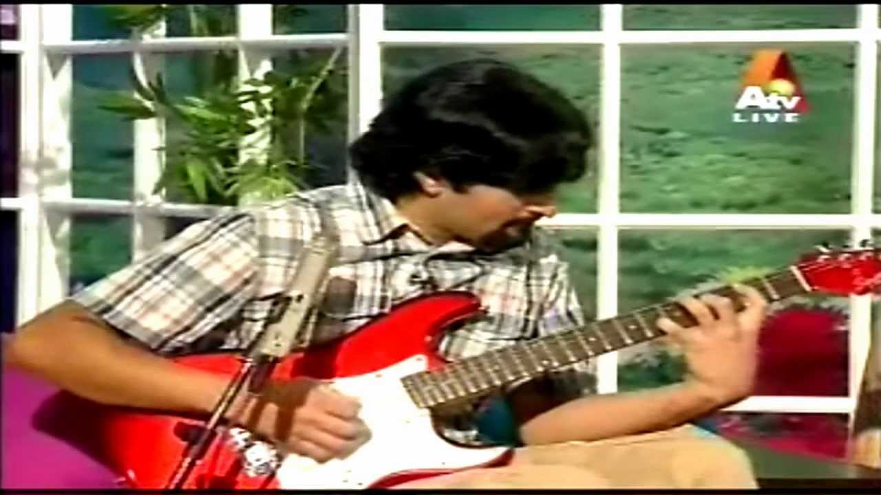 Atif Aslams Lead Guitarist Sarmad Ghafoor Performs Beautiful