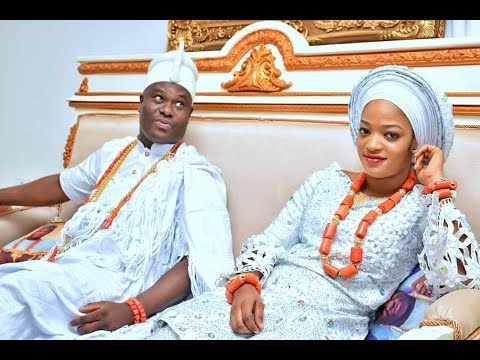 Ooni Of Ife & His Wife Step Out Together After The Wedding, As She Pray for Him In His Palace