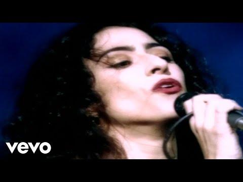 Music video by Marisa Monte performing Balanca Pema. © 1996 Monte Criação E Produção Ltda  http://vevo.ly/E5aYO8