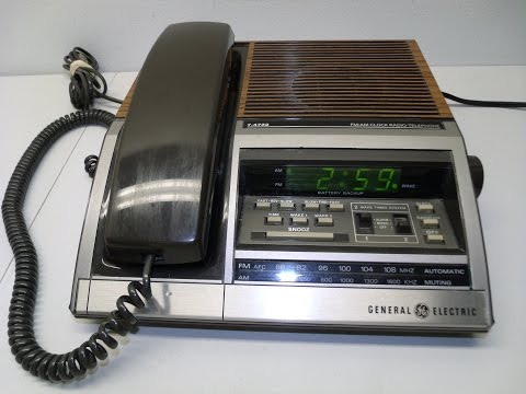 Retro GE Alarm Clock Radio Telephone Vintage Faux Wood Grain Digital Green7-4722