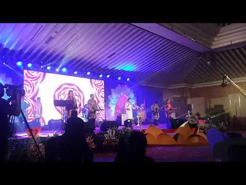 H. Rhoma Irama dan Soneta Menyanyikan Lagu India