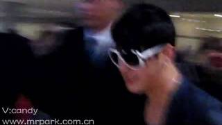 【MP】03-27-2010pick up JUNHOO at Beijing Airport.flv
