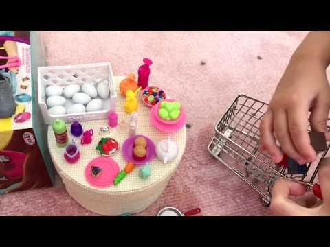 Алиса играет в кукол ! Кен купил подарки для Барби !