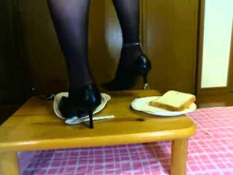 Bread Crush.avi