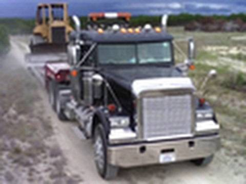Freightliner Haul Truck Moves D5M [HD 720p]