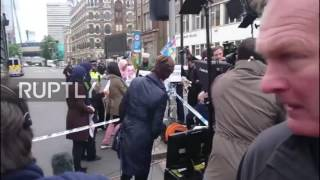 UK  CNN urges protesters in camera shot for anti IS demonstration